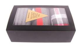 5164571-red-box