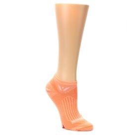 MEDIUM-Peach-Solid-Aspire-Zero-Womens-No-Show-Athletic-Socks-Swiftwick